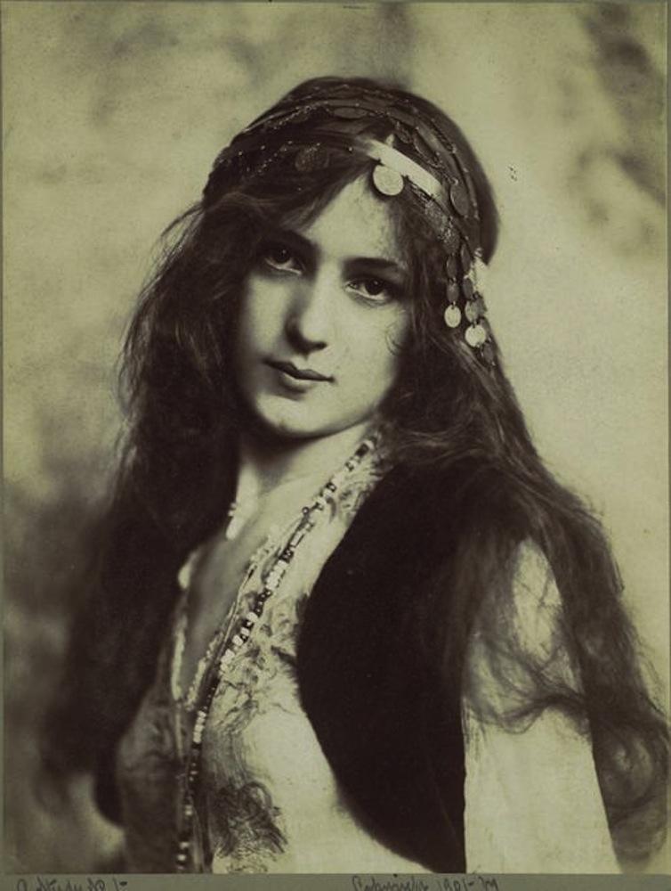 Vintage Bohemian Gypsy Girl