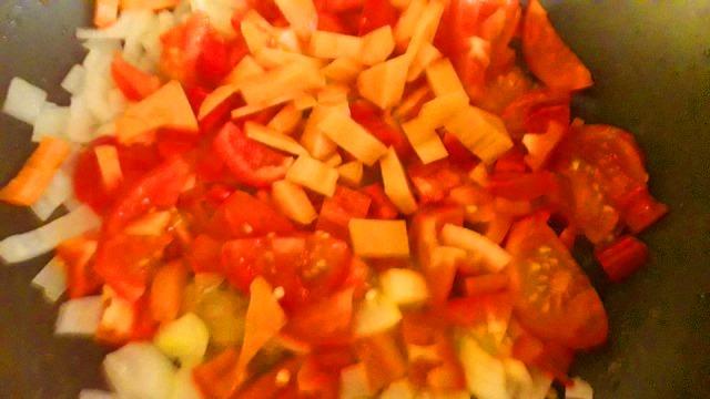 Preparing Vegetarian Vegan Curry