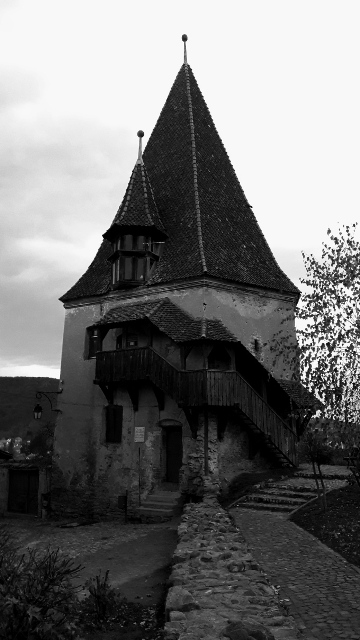 spooky-house-sighisoara-transylvania