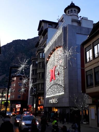 Pyrenees shops